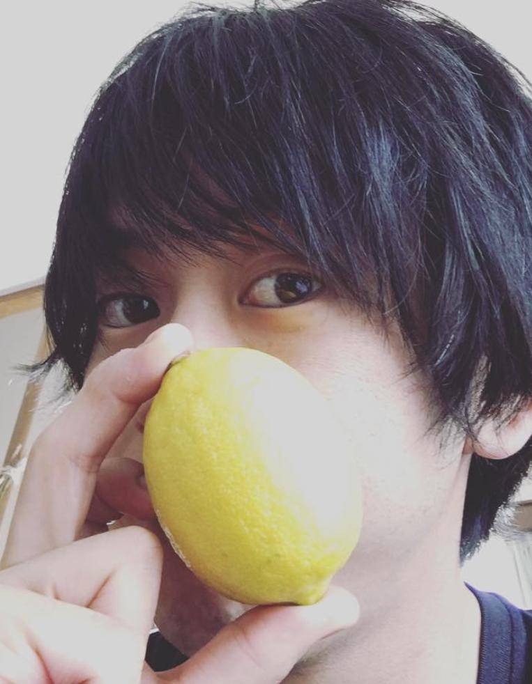 鈴木慶洋wikiプロフ!年齢や身長は?職業はレモンザムライ?おすすめレモンサワー!【マツコの知らない世界】