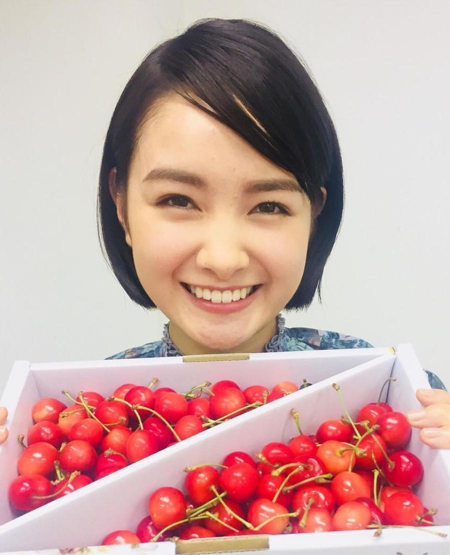 葵わかなの双子の姉もかわいい?本音でハシゴ酒で夏菜と変顔!性格や彼氏のうわさは?